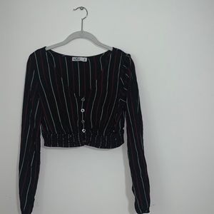 HOLLISTER - Cropped Long Sleeve Button-Up Blouse
